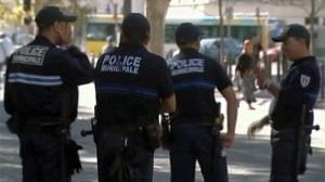 France arrests 12 terror suspects