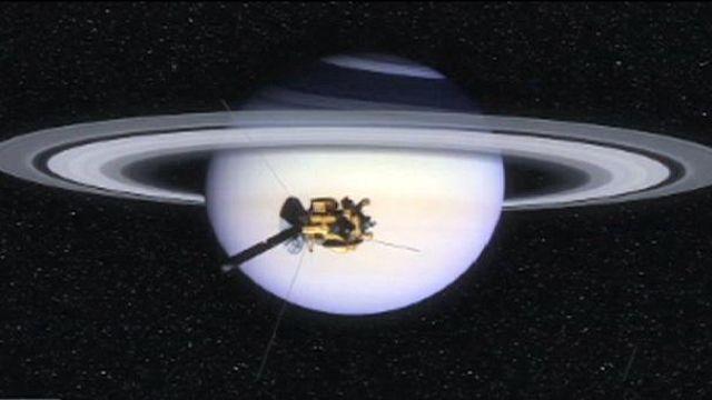 أسرار كوكب زحل