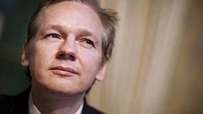 Primeira vítima do escândalo dos segredos diplomáticos