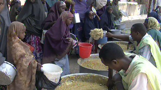 معاناة المنظمات الإنسانية في إيصال المساعدات لمحتاجيها في الصومال