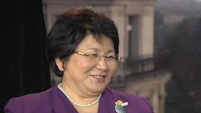 """Roza Otunbayeva: """"As pessoas que ordenam massacres não podem ser perdoadas"""""""