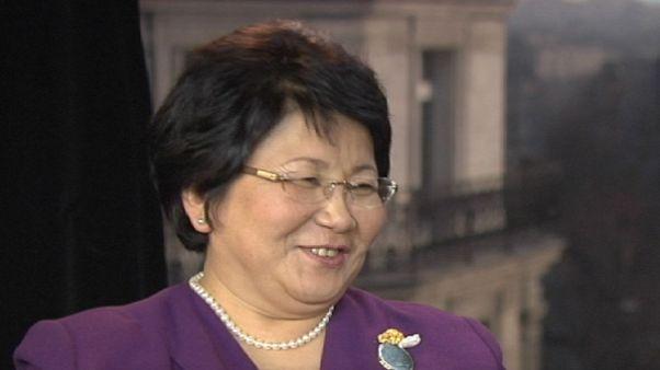 """""""Una sociedad dominada por la criminalidad no tiene futuro"""", Rosa Otunbayeva, Presidenta de Kirguistán"""