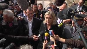 Le Pen visits migrants on Lampedusa