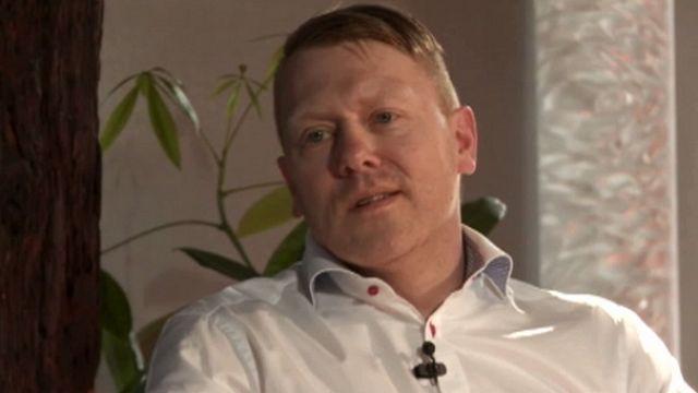 الممثل الايسلندي يون غنار من الكوميديا الى السياسة