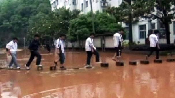 Deadly floods in south-west China