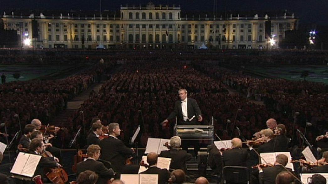Famous free concert at Schönbrunn entertains 100,000