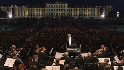 Filarmonica per tutti. Magia a Vienna per il concerto gratuito a Schönbrunn