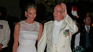 زواج أمير موناكو ألبير الثاني و شارلان ويتستوك يكلل قصة حب دامت عشر سنوات