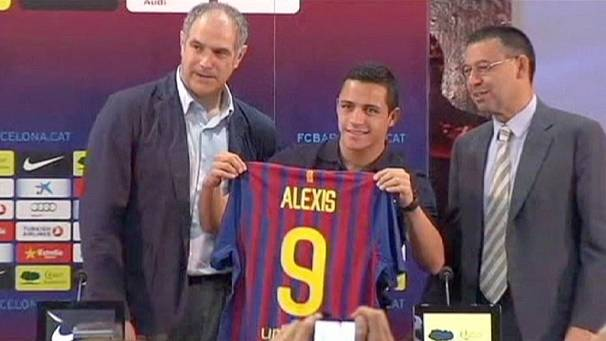 Barcelona unveils new forward
