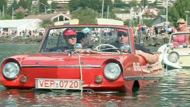 Amphibious cars take the Swiss waters
