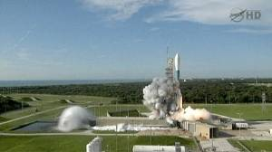 "Rocket blasts off on ""moon mapping"" mission"