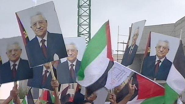 Mideast: Abbas cheered by Palestinians