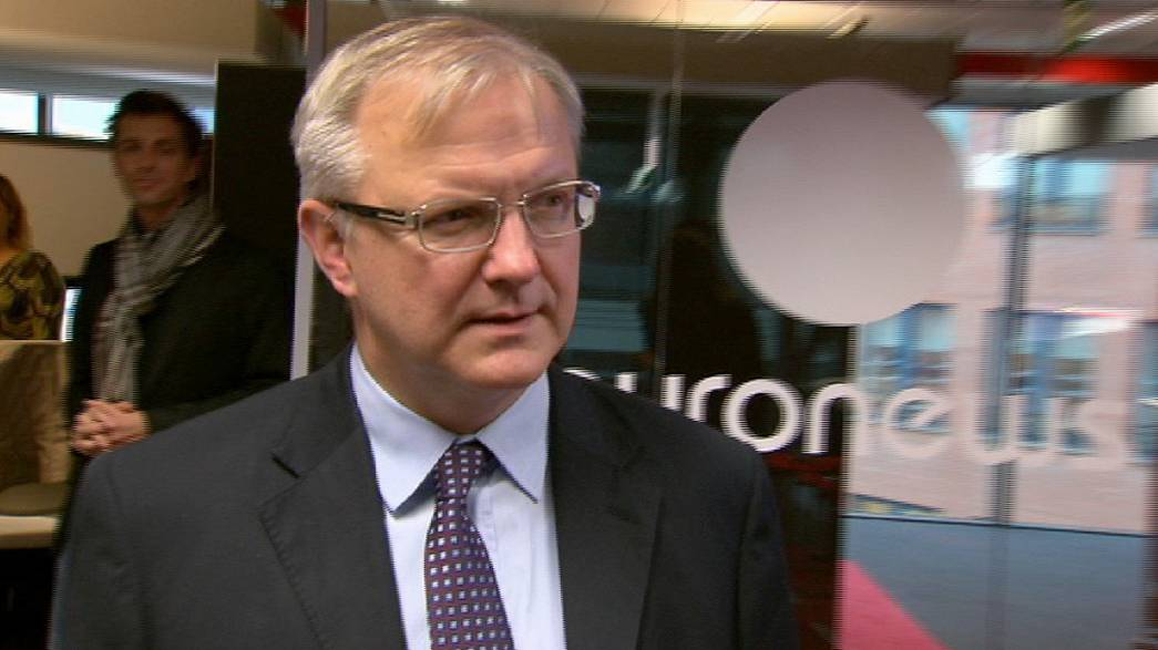 Rehn: Tackling sovereign debt 'first priority'