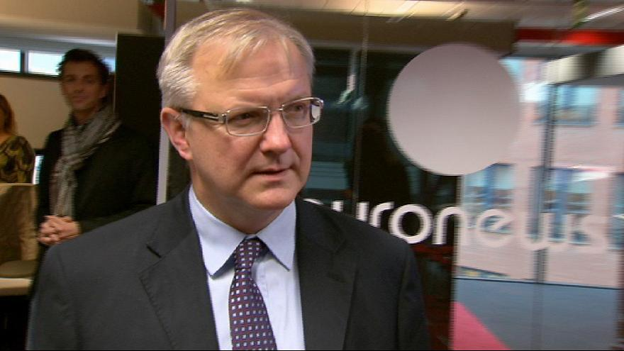 Rehn: Tackling sovereign debt 'first priority'