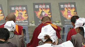 Prayers for Buddhists who set themselves on fire