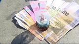 Hungarians fall victim to Swiss franc debt spiral