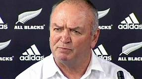 sport: Graham Henry steps down