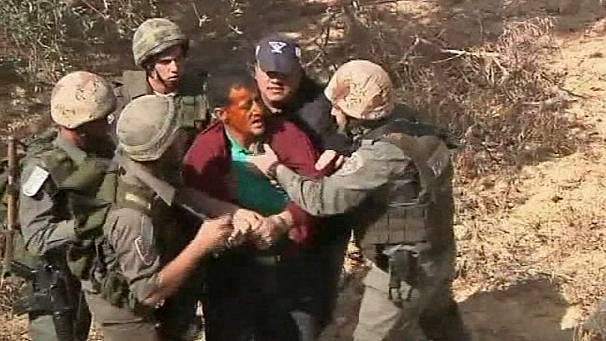 Violent scuffles at West Bank border
