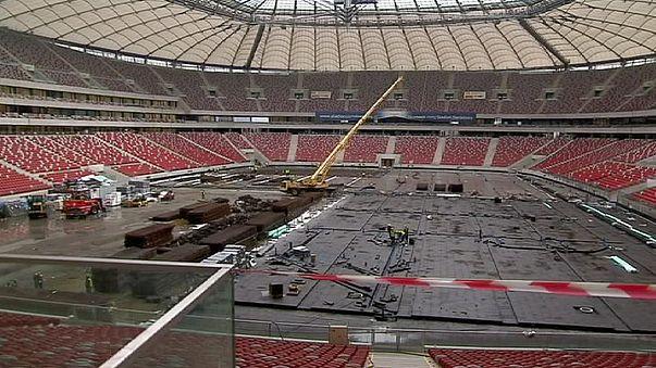 Polonia, contrarreloj para la Eurocopa 2012