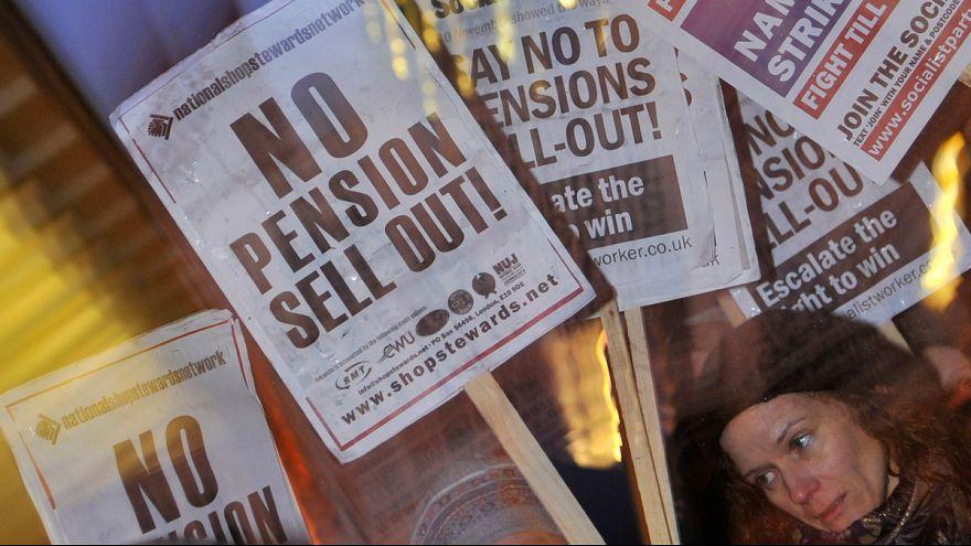 Yaşlı Avrupa krizin gölgesinde emekliliği tartışıyor
