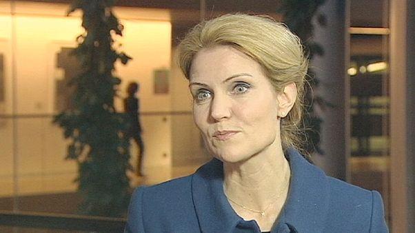Dinamarca: Primeira-ministra a favor do euro
