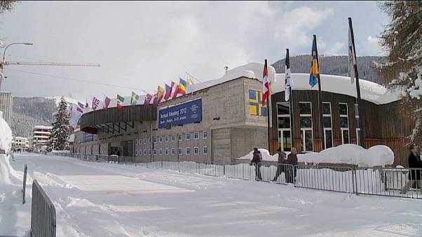 Davos 2012 meets with gloomy backdrop