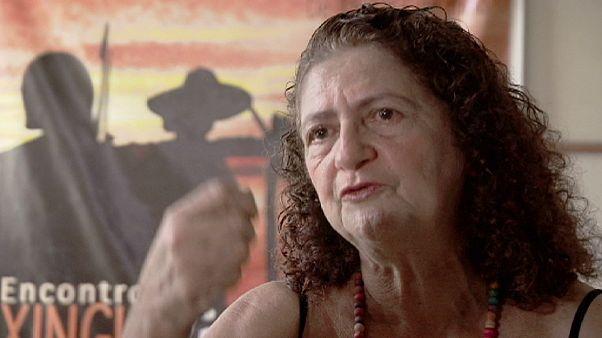 زن مبارز برزیلی در مقابل ساخت وسازیکی از بزرگترین سدهای دنیا ایستاده است