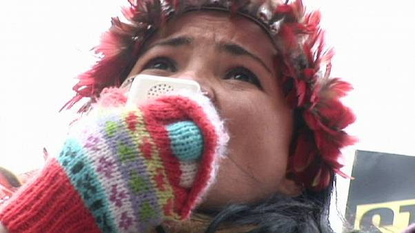"""Sheyla Juruna : """"Le fleuve Xingu est notre maison. S'il meurt, notre culture et notre peuple mourront avec lui"""""""