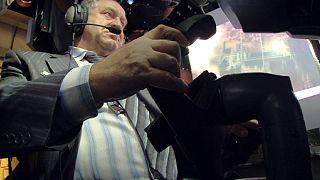 جهاز محاكاة للسيطرة على الطائرة