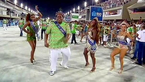 First carnival parades in Rio