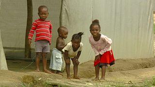 Liberia: Cruzando el Cavalla.