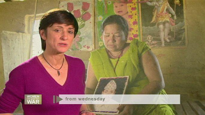 Mulheres de armas no Nepal