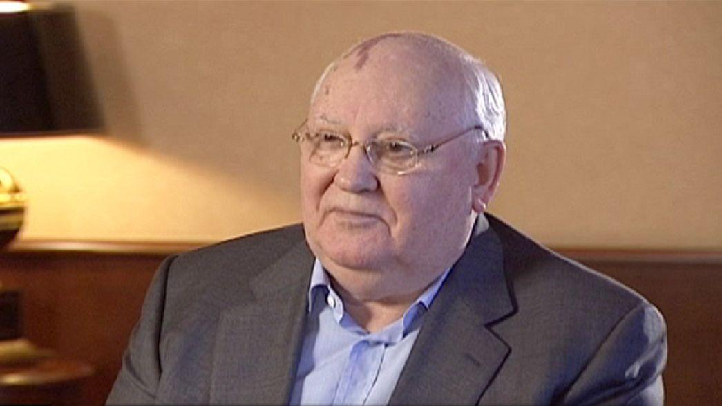 """Gorbaciov: """"È l'ora del cambiamento. Neanche Putin potrà evitarlo"""""""