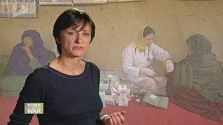 Mujeres que curan las heridas de la guerra afgana