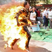 Tibetan protester sets himself on fire in New Delhi