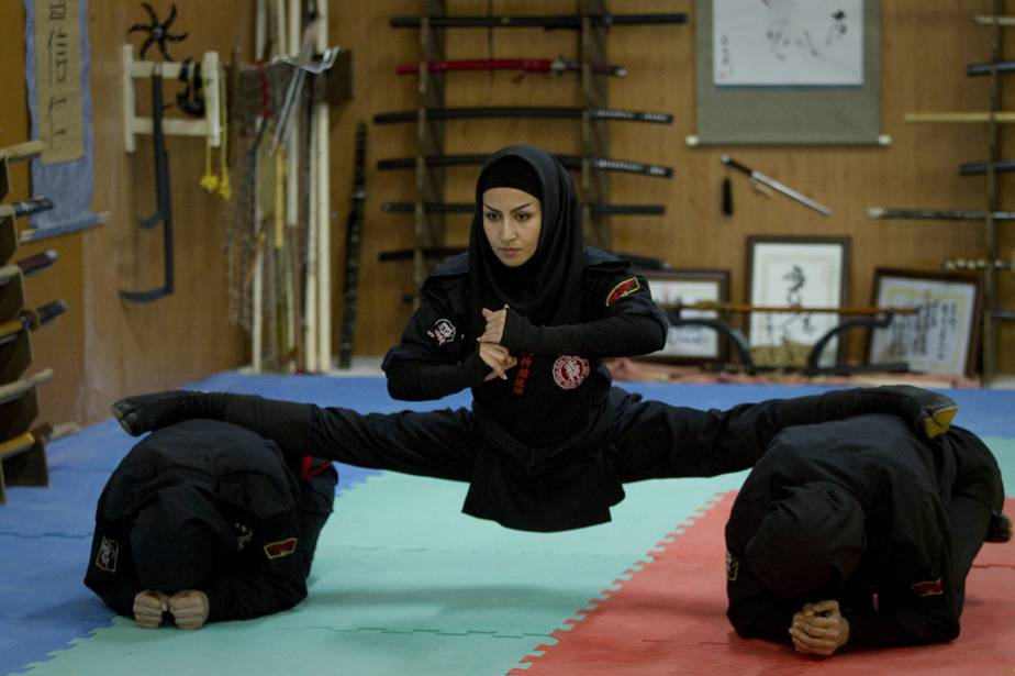Iranian female ninjas show their strength