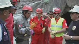 Peru government calls for help to free trapped miners