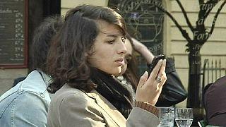 Giovani francesi al voto: il futuro fa paura, vogliono risposte