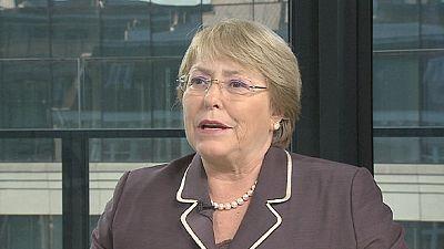"""Michelle Bachelet : les femmes sont des """"faiseuses de paix"""""""