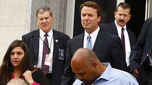 Ex-US presidential hopeful John Edwards goes on trial