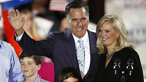 Romney claims victory in Republican race