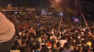 Egypt: Protests amid fears over Mubarak's old guard