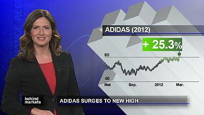 Borsa, vola Adidas in aumento gli utili