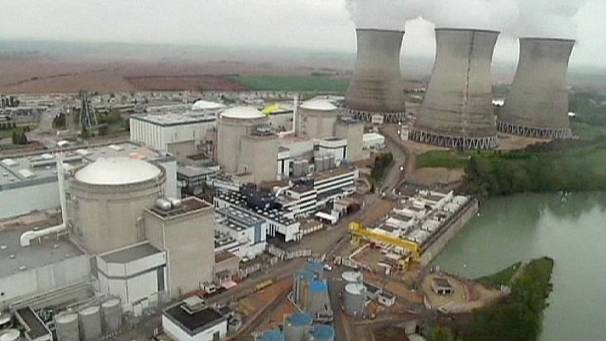 Greenpeace activist drops into nuclear power plant