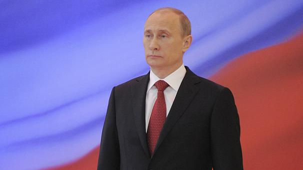 Putin back in as Russian growth falters