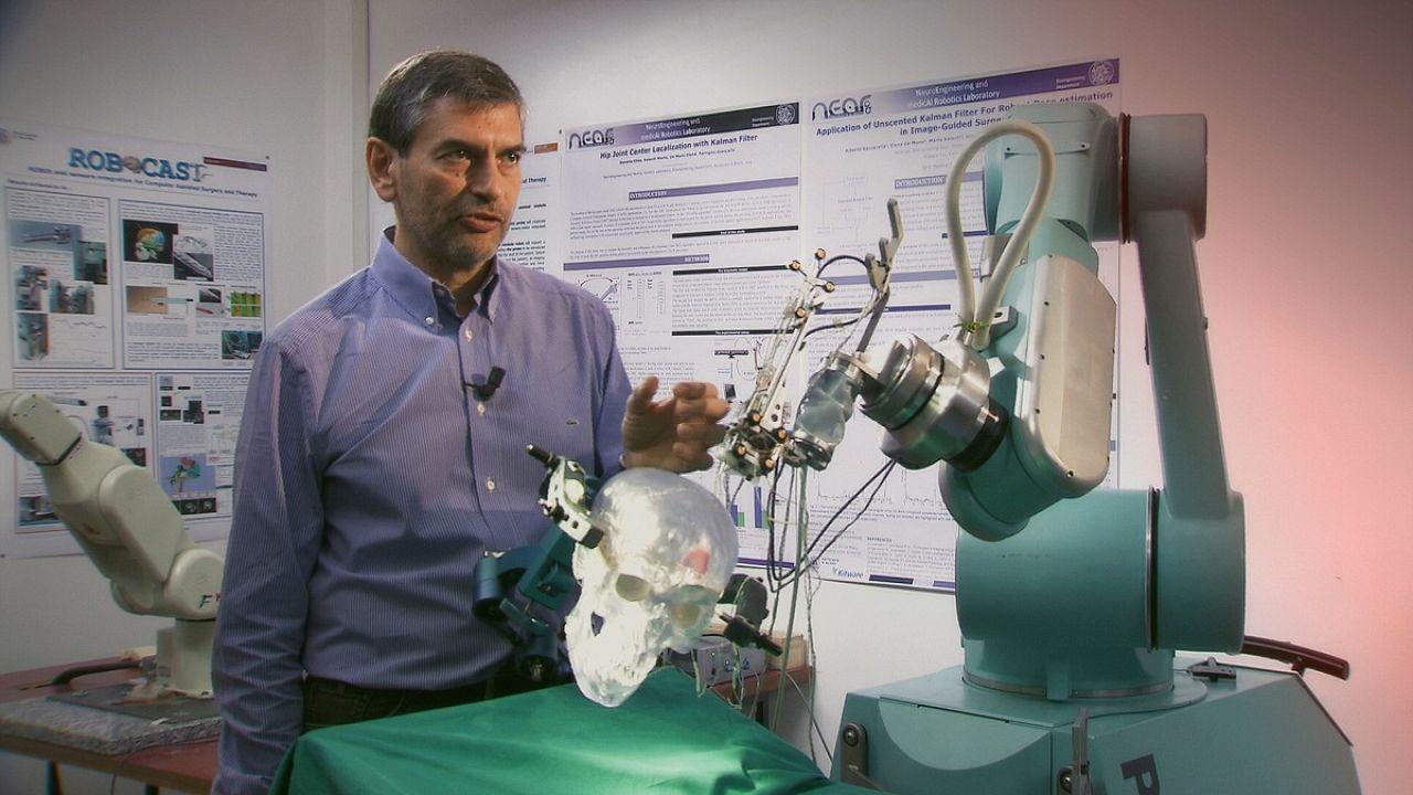 Un robot para operar el cerebro