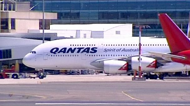 Qantas' shares nosedive on loss warning