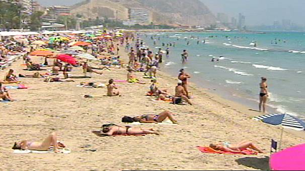 Spain breaks 'blue flag' beach record