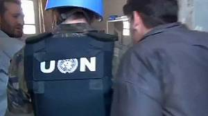 UN observers arrive at Syria 'massacre' site