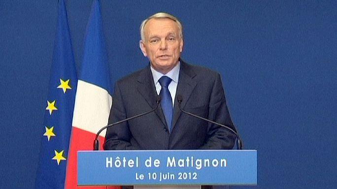 Fransa'da Sosyalistler ikinci tura doğru nefeslerini tuttu